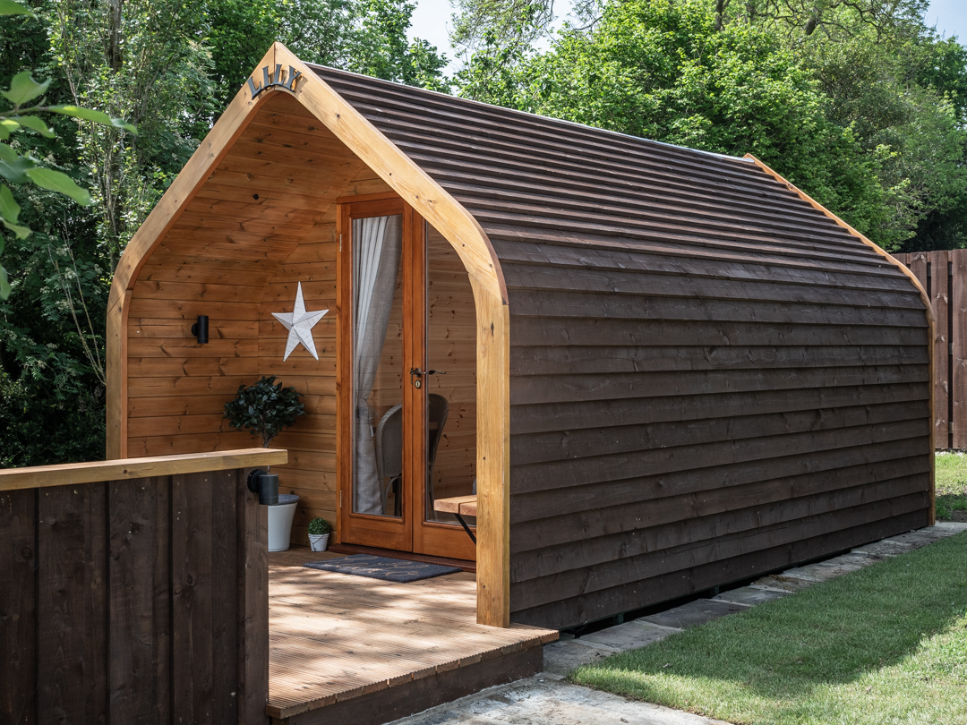 Lilly Glamping Pod